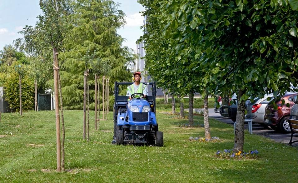 Esat du val d europe conditionnement coffrets cadeaux for Association entretien espaces verts